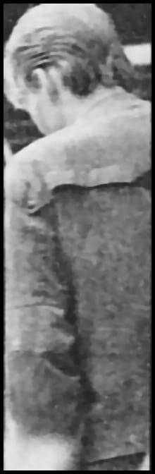 Stalker von Detektiven festgenommen! Der 21jährige Mann, der sich immer wieder an der Regenrinne bis zum 5. Stock hochhangelt.