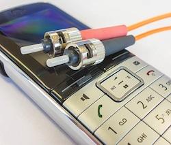 Handy und Telefon abhören ist illegal - leider vielen scheissegal.